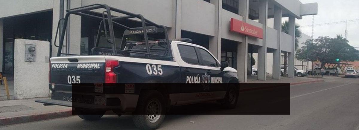 Despojan a una persona de 700 mil pesos en el estacionamiento de un banco